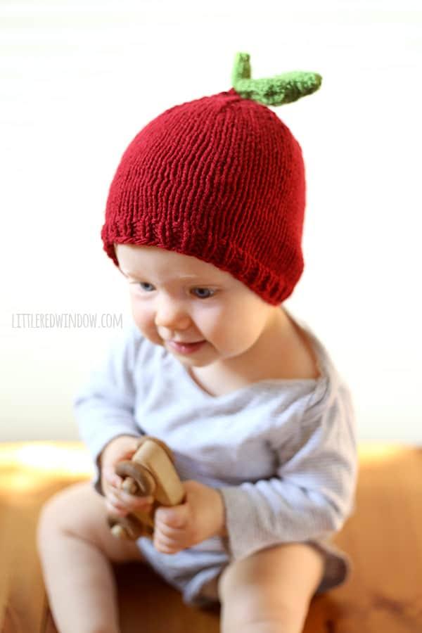 Free Apple Hat Knitting Pattern for babies!   littleredwindow.com