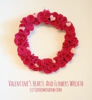 Valentine's Hearts and Flowers Wreath