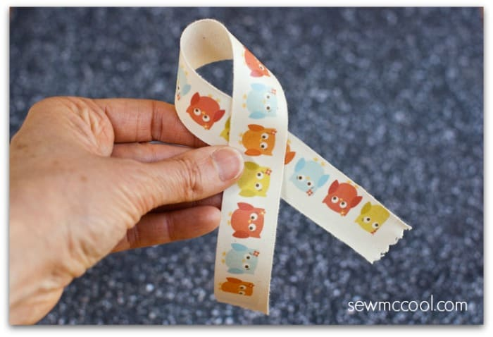 Learn-how-to-print-your-own-ribbon-designs-on-your-home-printer-by-sewmccool.com_