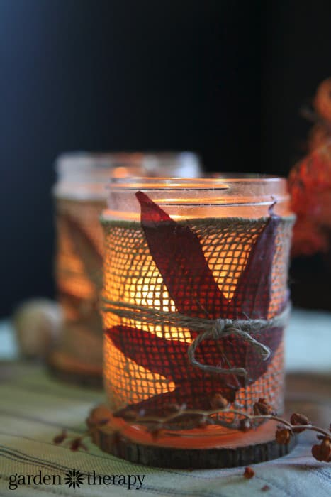 burlap-wrapped-mason-jar-fall-candle-craft