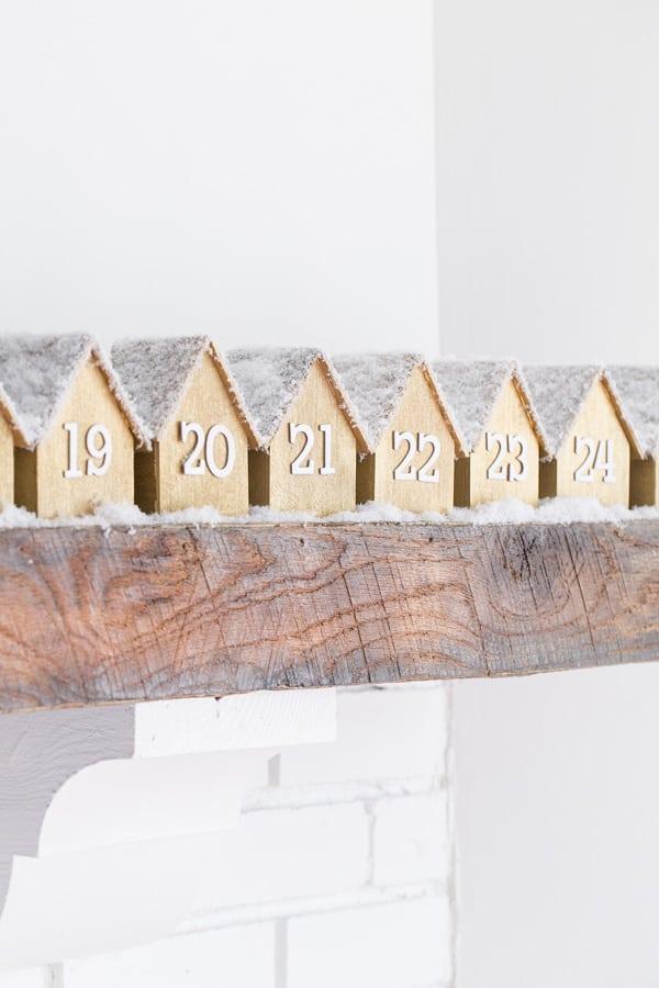 WoodenHouseAdventCalendar-3