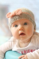 small knit_baby_bow_hat_08_littleredwindow