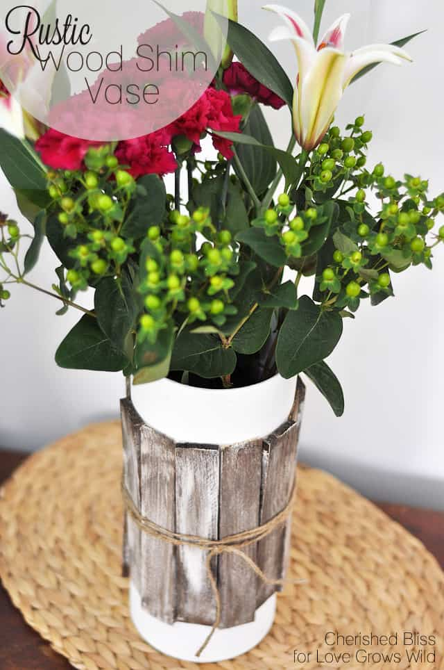 Seasons Of Home Easy Decorating Ideas For Spring: 15+ Gorgeous Upcycled Thrift Store Vases