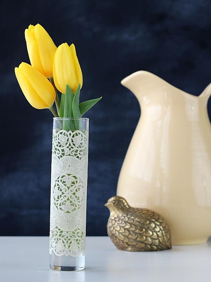 Spring-craft-DIY-lace-vase