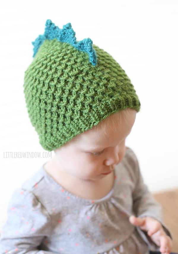 Adorable Tiny Dragon Hat Knitting Pattern (aka Tiny Dinosaur Hat)! | littleredwindow.com