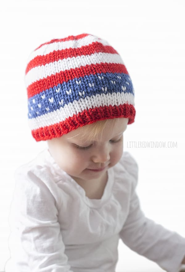 Fun Stars & Stripes Baby Hat Knitting Pattern for newborns, babies and toddlers! Fun Stars & Stripes Baby Hat Knitting Pattern perfect for the 4th of July (yes, tiny babies need hats in July)! | littleredwindow.com