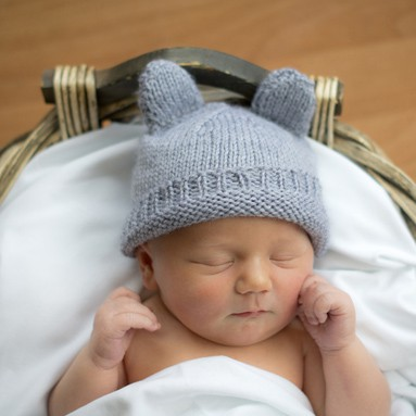 Baby Bear Hats - an adorable knitting pattern from littleredwindow.com