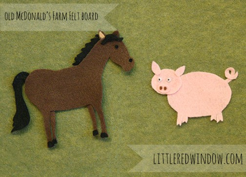 Felt Board Horse and Pig on green felt background