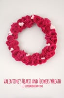 small Valentines_hearts_flowers_wreath_littleredwindow
