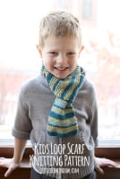small kids_loop_scarf_knitting_pattern_04_littleredwindow