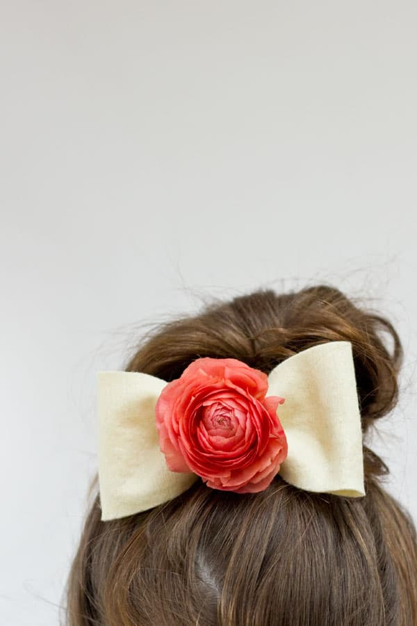 DIY-Fresh-Flower-Hair-Bows