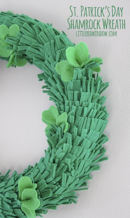This cute St. Patrick's Day Shamrock wreath is so easy to make from felt!