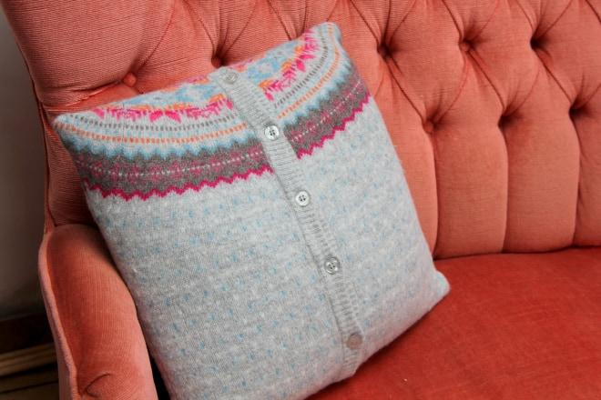 cardigan-cushion-4