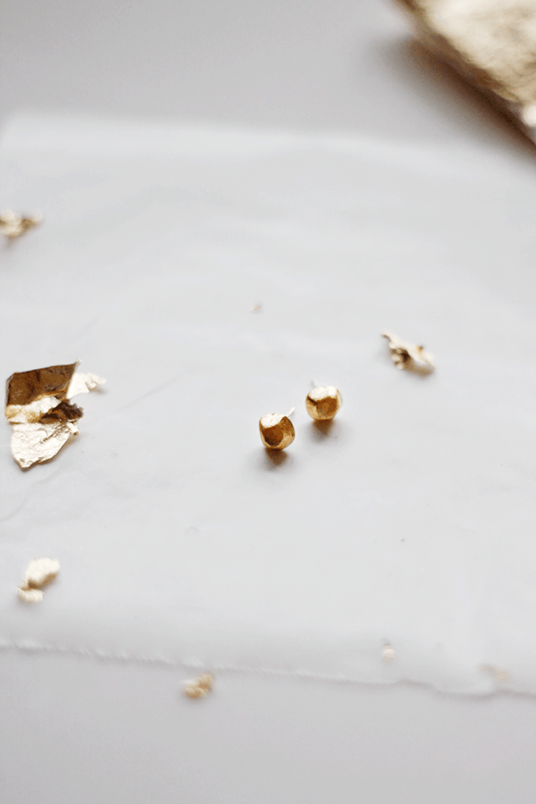 DIY+Gold+Nugget+Earrings+from+Wellnesting
