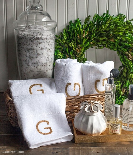 white hand towels monogrammed with the letter G