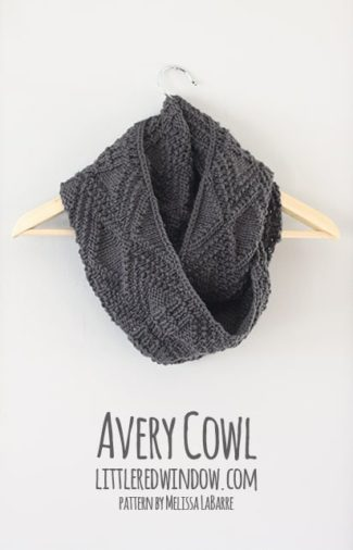 Avery Cowl Knitting Pattern