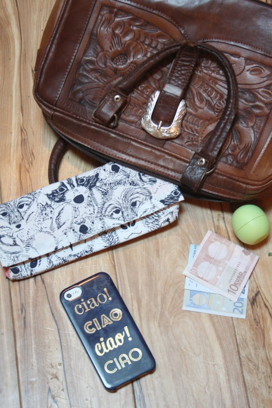 DIY wallet for travel from Stone Creek Blog