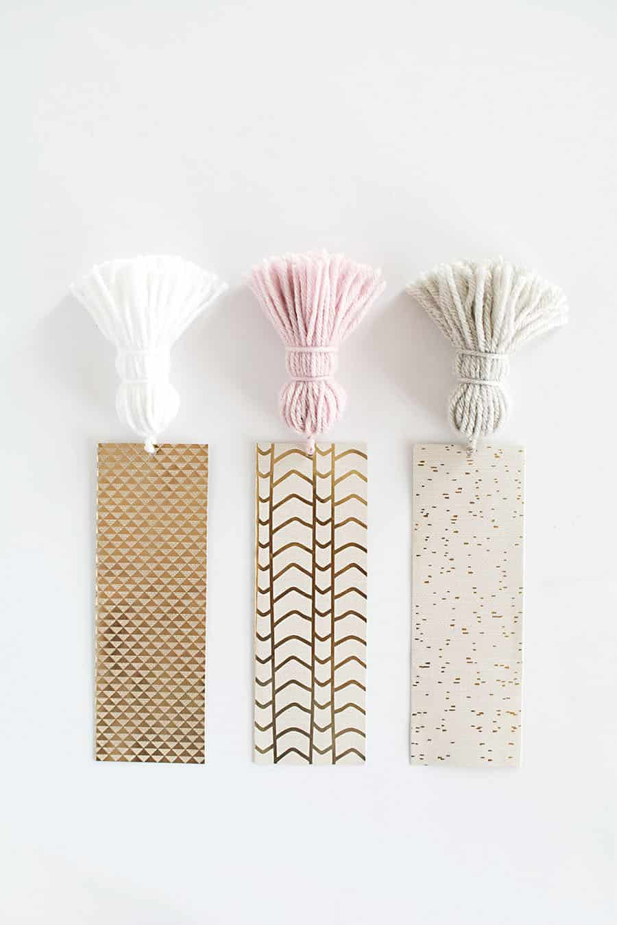 DIY-Chunky-Tassel-Bookmarks4