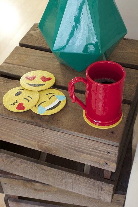 1-emoji-coasters