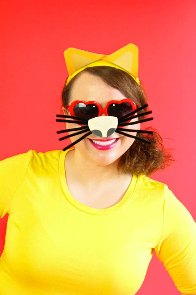 DIY-Emoji-Cat-Face-Costume