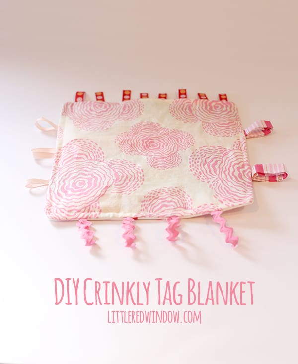 My baby LOVES this cute DIY tag blanket, it even makes a crinkly sound! | littleredwindow.com