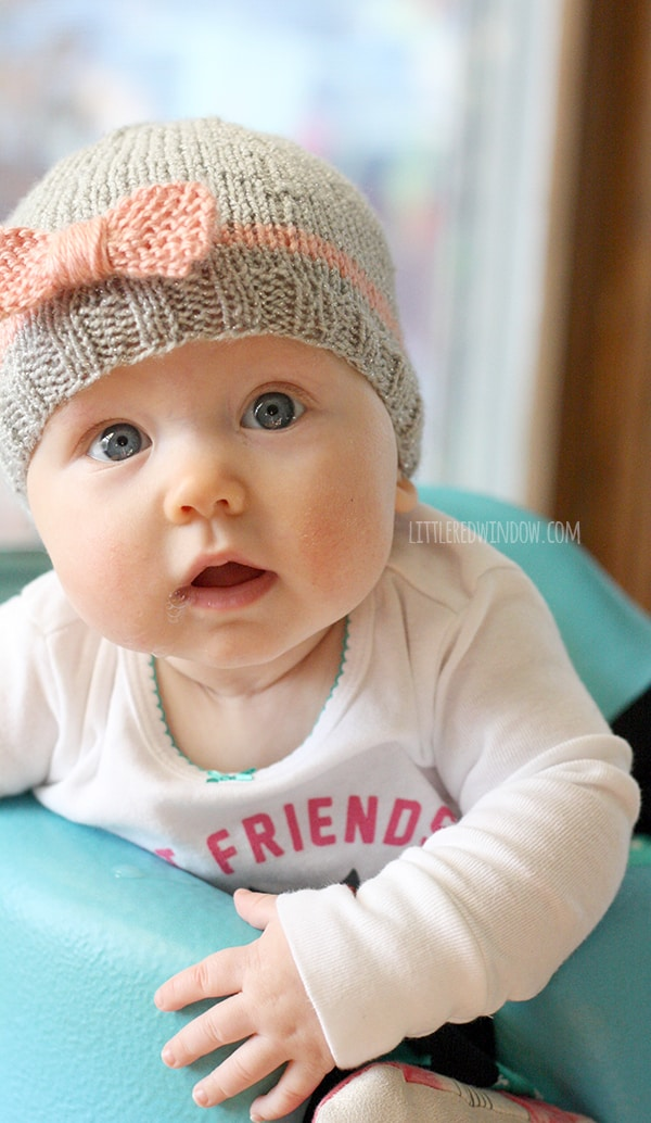Bow Baby Hat Knitting Pattern for newborns, babies and toddlers! | littleredwindow.com | A quick and easy knitting pattern for your little one!