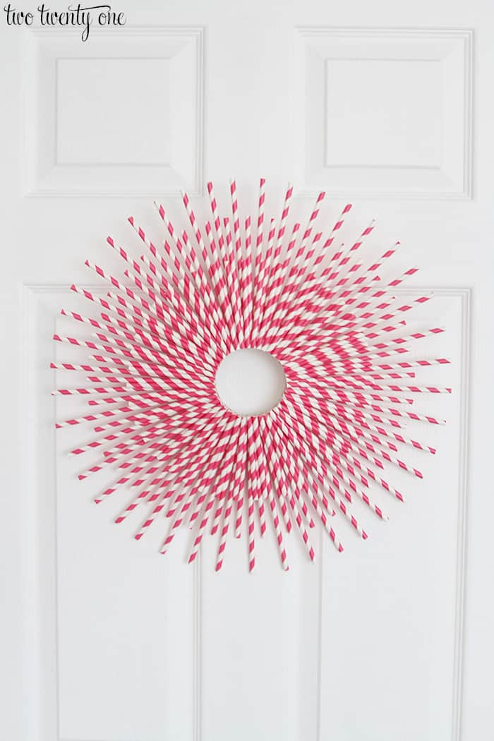 Paper-Straw-Wreath