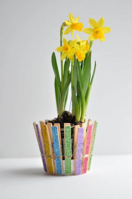 Glittered-Clothespins-Pot-1
