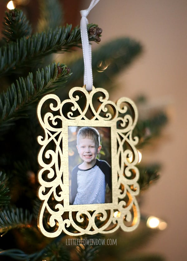 Super quick and easy DIY Double Sided Photo Ornaments for your Christmas Tree! | littleredwindow.com