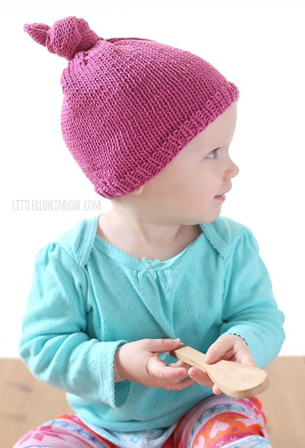 Easy Knit Top Knot Hat Knitting Pattern for babies and toddlers!  893c68d5ddb