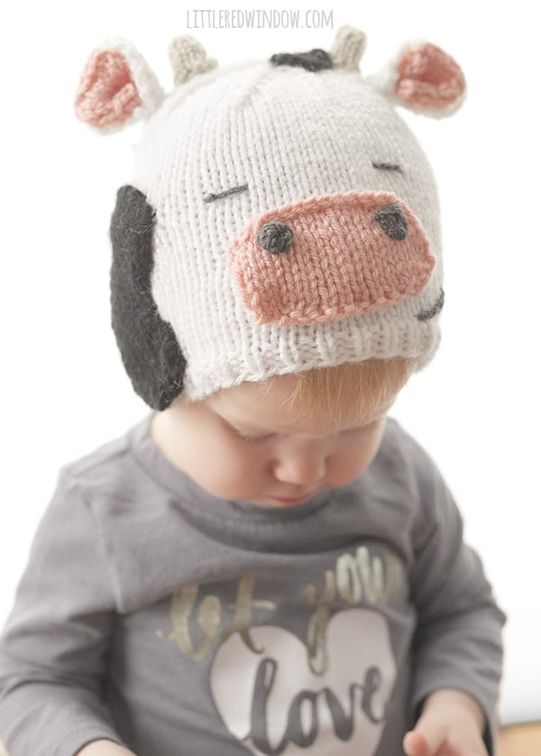 Cute and Cuddly Cow Hat Knitting Pattern for babies and toddlers! | littleredwindow.com