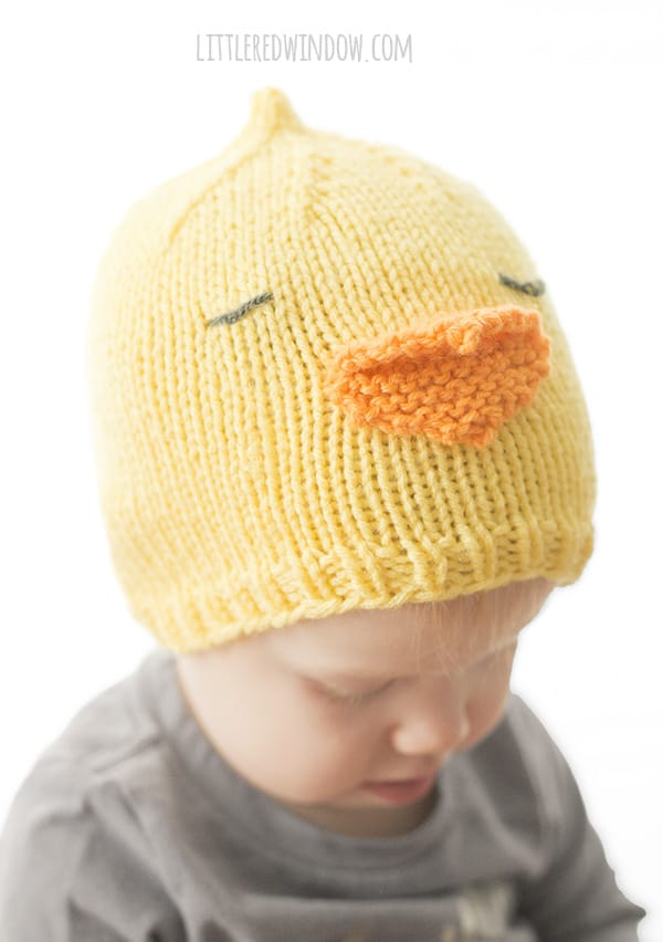 Little Chick Hat Knitting Pattern for babies and toddlers! | littleredwindow.com