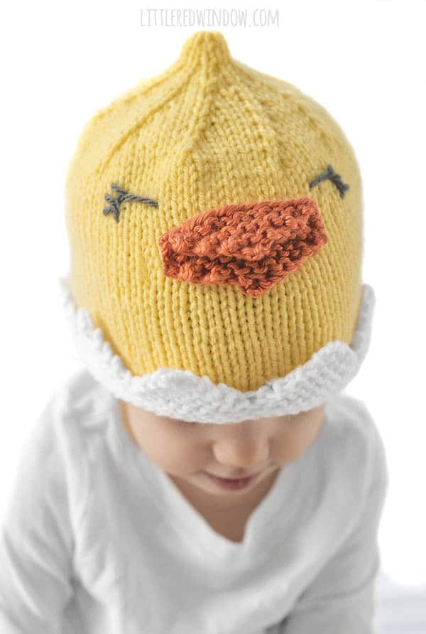 Cute details on the Little Chick Hat knitting pattern for newborns, babies and toddlers!