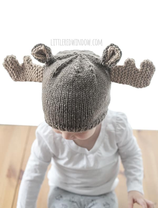 Mini Moose Hat Knitting Pattern for newborns, babies and toddlers! | littleredwindow.com