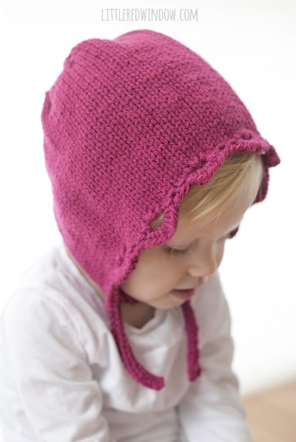 Scalloped Edge Bonnet Knitting Pattern for newborn, baby and toddler! | littleredwindow.com