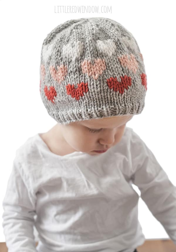 Ombré Heart Hat Knitting Pattern for newborns, babies and toddlers! | littleredwindow.com