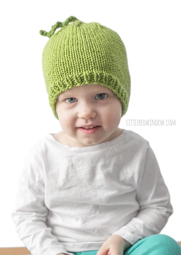 Sweet Pea Hat Knitting Pattern for your sweet newborn, baby or toddler! | littleredwindow.com