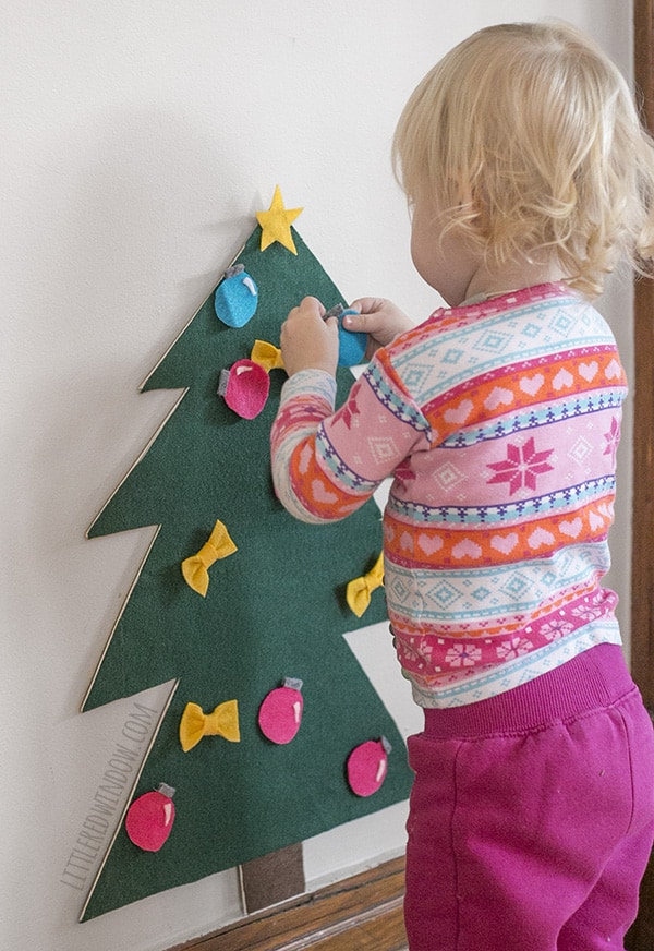 DIY Felt Christmas Tree for Toddlers! | littleredwindow.com