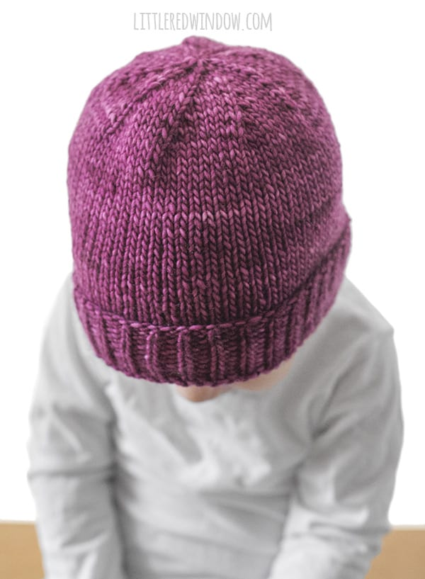 Easy Folded Brim Hat Knitting Pattern, perfect for newborns, babies & toddlers! | littleredwindow.com