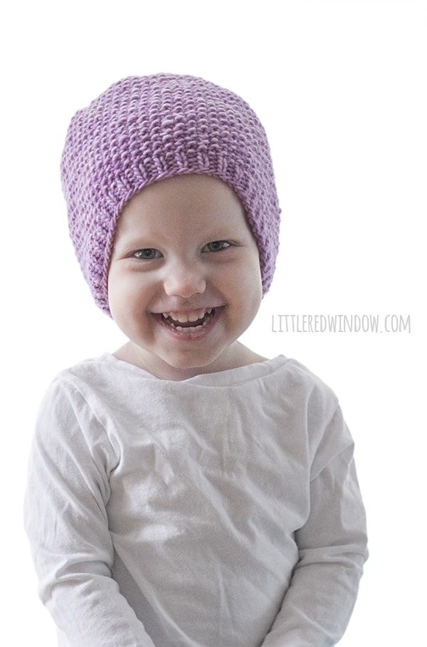 Basic Seed Stitch Baby Hat Knitting Pattern for newborns, babies and toddlers! | littleredwindow.com