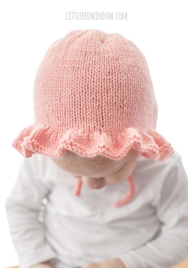 Ruffle Bonnet Knitting Pattern for babies & toddlers! | littleredwindow.com