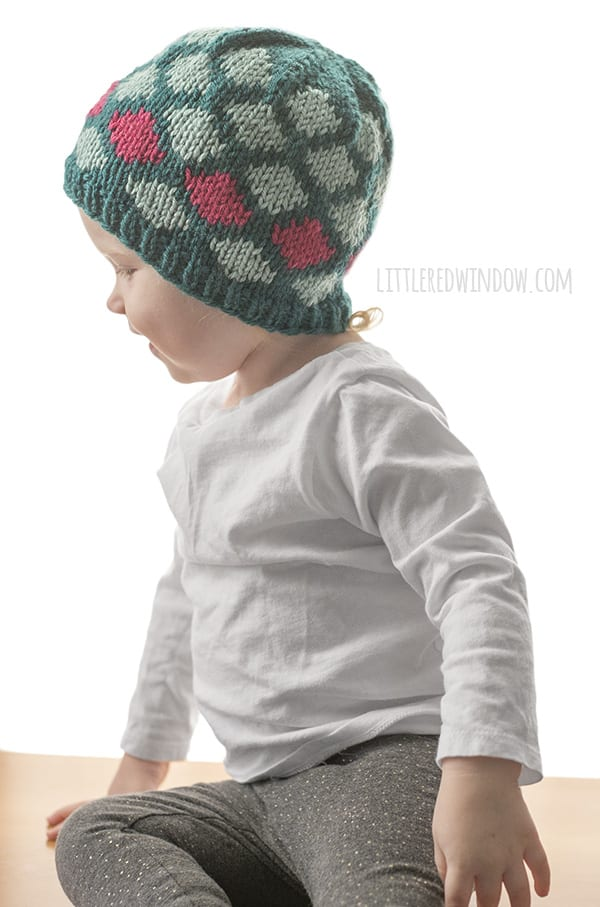 Contrast Diamond Hat Knitting Pattern for newborns, babies and toddlers! | littleredwindow.com