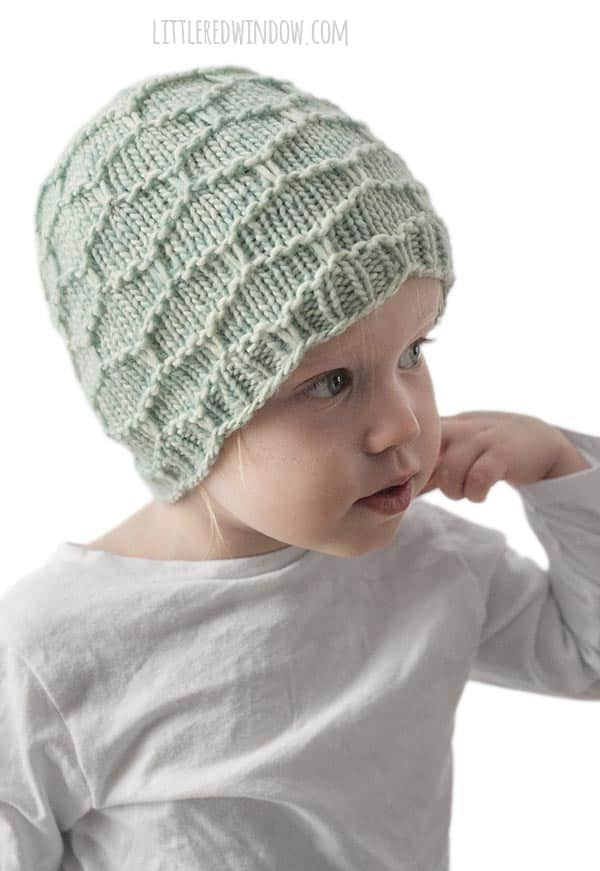 Honeycomb Hat Knitting Pattern, easy slip stitch baby hat pattern for newborns, babies and toddlers! | littleredwindow.com