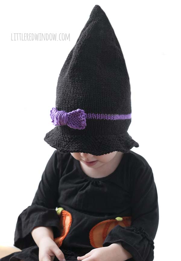 Little Witch Hat Knitting Pattern, the perfect knitting pattern for Halloween!