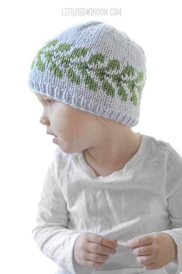 The vine hat knitting pattern looks great from all sides!