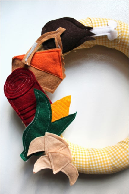 Felt Thanksgiving Wreath from Hands Occupied