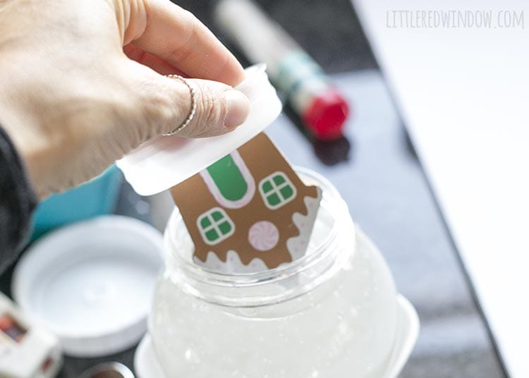 Learn how to put a gingerbread house inside your DIY snowglobe!